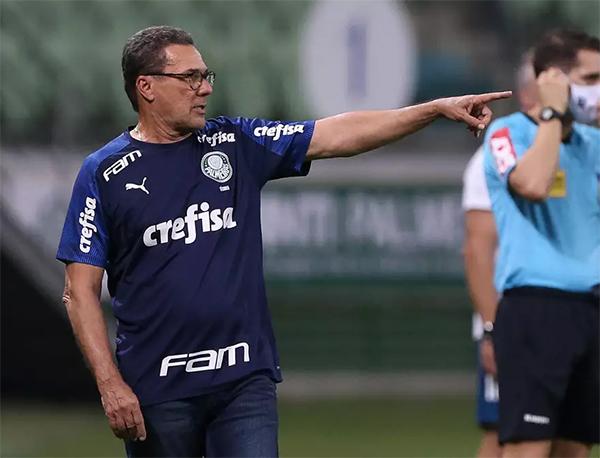"""Luxemburgo """"cornetou"""" a diretoria alviverde em coletiva. Foto: Cesar Greco/Ag. Palmeiras"""