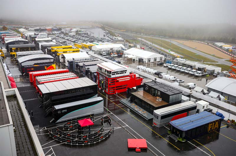 Neblina densa se fez presente na região da pista alemã. Foto: Petronas Motorsports
