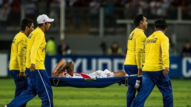 Cueva deixou jogo do Peru de maca