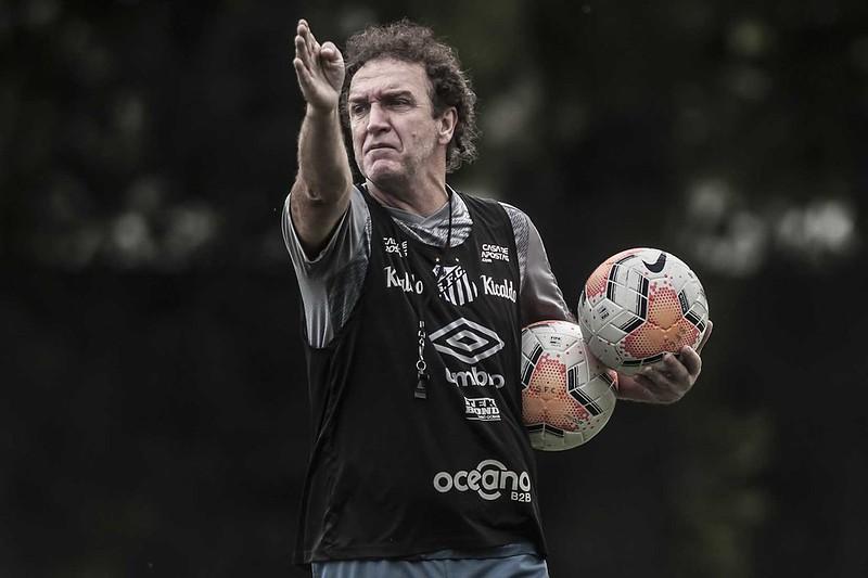 Técnico Cuca não poderá contar com o zagueiro Lucas Veríssimo e o atacante Marinho. Foto: Ivan Storti/Santos FC