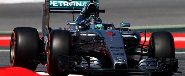 Após quatro corridas largando na pole position, Lewis Hamilton acabou desbancado em Barcelona