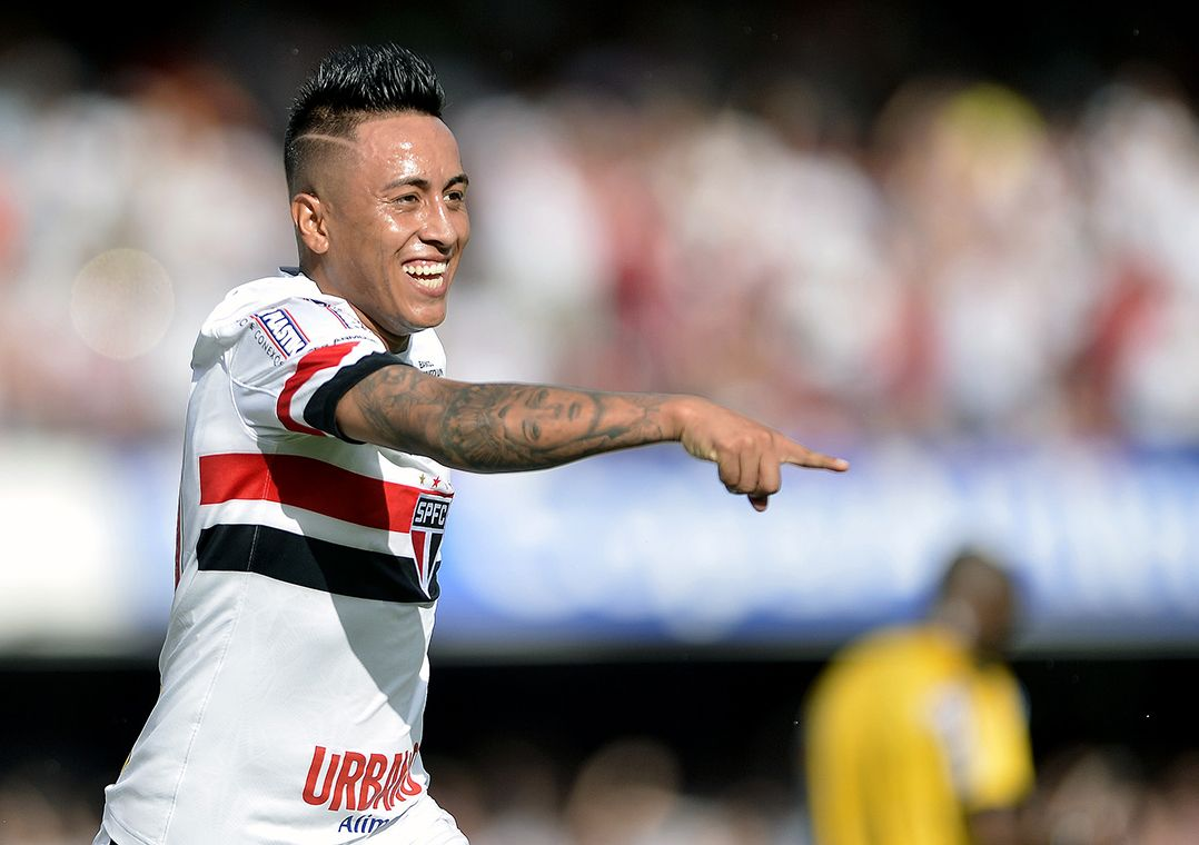Cueva se lesionou com a seleção do Peru