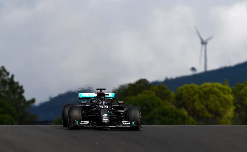 O britânico fez uma volta espetacular no circuito lusitano. Foto: Mercedes-AMG F1