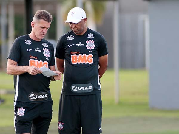 Timão não contará com nomes como Fábio Santos e Otero. Foto: Rodrigo Coca/Agência Corinthians