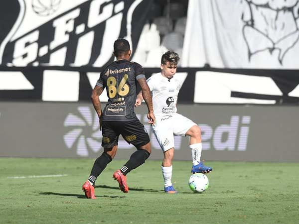 Jogo disputado na Vila Belmiro não teve o placar alterado. Foto: Twitter/Santos