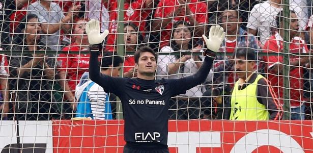 """O goleiro apontou ainda outros motivos pela derrota e pediu aos colegas """"cabeça no lugar"""""""