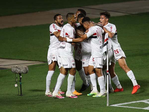 Vitória por 1 a 0, 2 a 1, ou dois gols de diferença garante classificação do Tricolor: Foto: Twitter/São Paulo