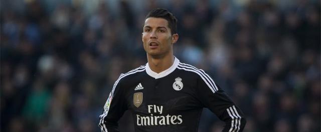 Nos últimos tempos, o astro do Real Madrid tem exibido bastante o filho em suas redes sociais