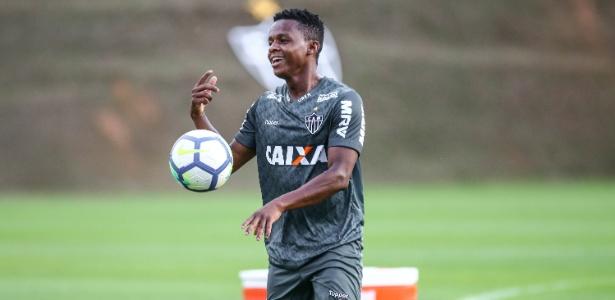 Juan Cazares diz que gosta de ser protagonista apesar das cobranças de regularidade no Atlético-MG