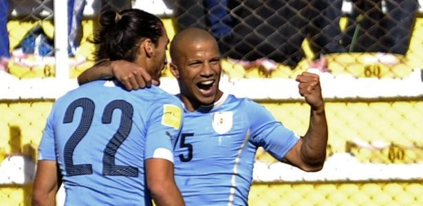 Carlos Sánchez não aparece na lista do Uruguai para os amistosos