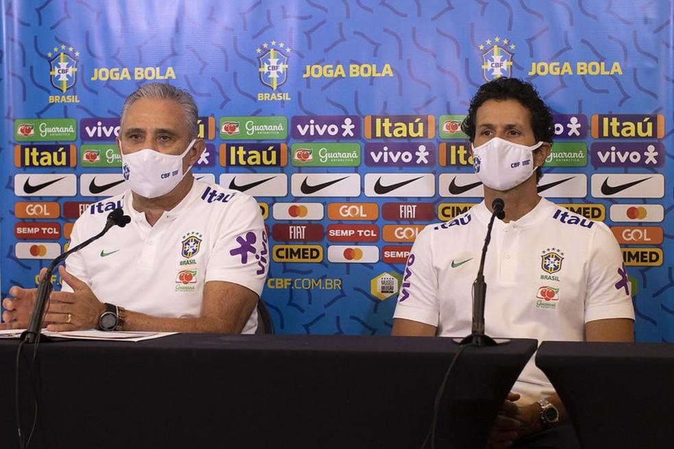 Treinador brasileiro lamentou o corte de Gabriel Menino, diagnosticado com Covid-19. Foto: Lucas Figueiredo/CBF