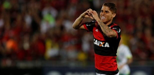 Cuellar teve grande atuação e foi coroado com um gol diante da Chapecoense