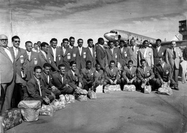 Alvinegro embarcou em Congonhas com destino à Turquia, em 1952. Foto: Divulgação