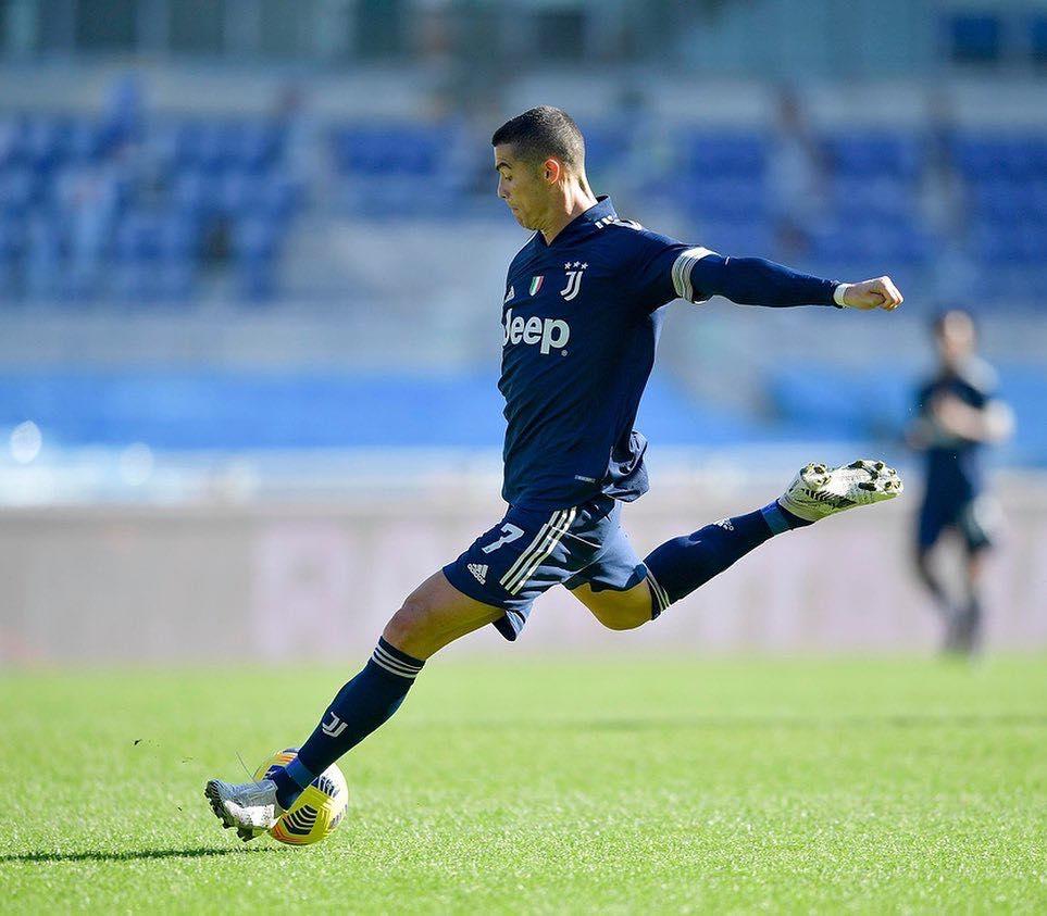 Leonardo não descartou a possibilidade de Cristiano Ronaldo jogar no PSG. Foto: Facebook/Reprodução