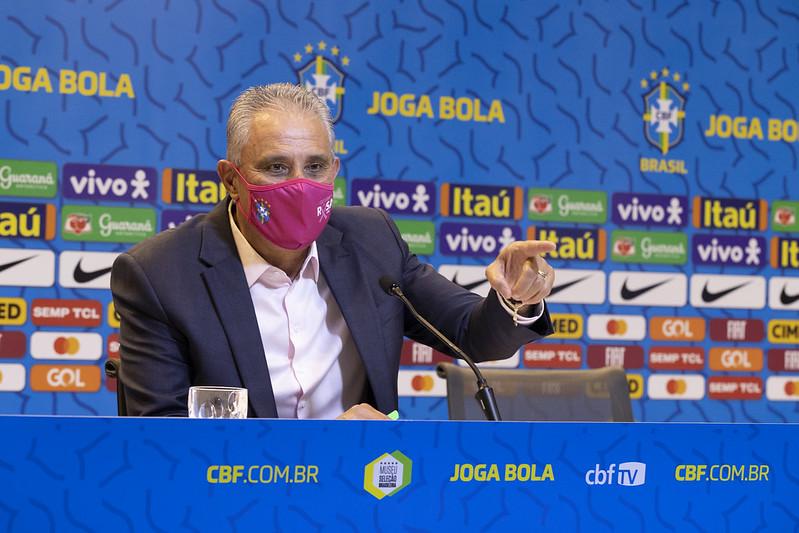 Treinador da seleção precisou fazer mudanças no grupo. Foto: Foto: Lucas Figueiredo/CBF