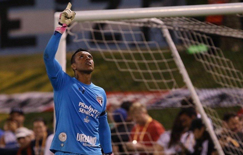Atleta do São Paulo conhecerá pacientes em tratamento do câncer e familiares