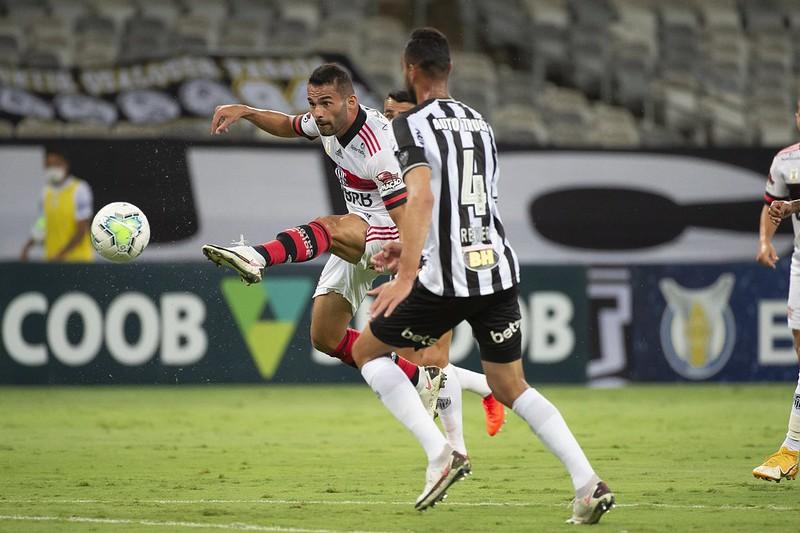 Departamento médico do Mengão discute melhor tratamento para Thiago Maia com o Lille, da França. Foto: Alexandre Vidal/Flamengo