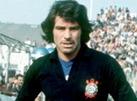 Em 1974, o arqueiro defendeu o Corinthians. Foto: Divulgação
