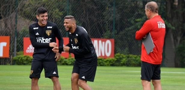 Liziero e Reinaldo são duas opções para a vaga do lesionado Everton. Foto: Érico Leonan / saopaulofc.net