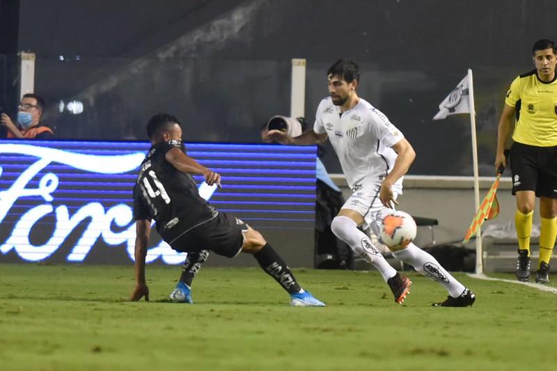 Luan Peres tem contrato com o Peixe apenas até 31 de dezembro de 2020. Foto: Ivan Storti/Santos FC