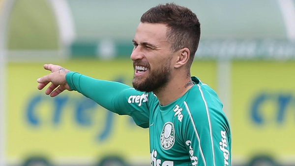 Lucas Lima, meio-campista do Palmeiras, precisa ir bem nos próximos dois meses. Foto: Cesar Greco/Ag. Palmeiras/Divulgação/Via UOl