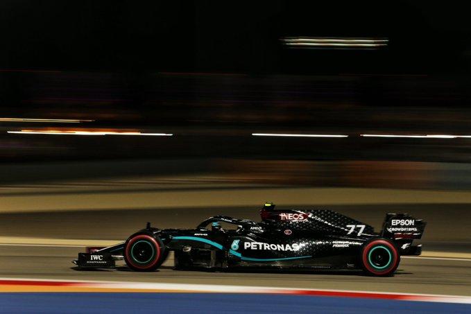 Finlandês melhorou sua performance para superar o britânico. Foto: Mercedes-AMG Petronas F1