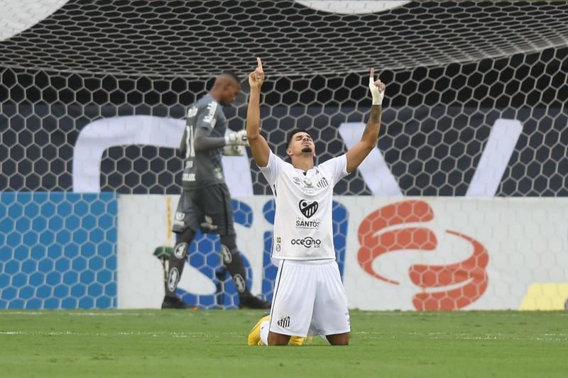 Veríssimo tem proposta do Benfica, de Portugal. Foto: Ivan Storti/Santos FC