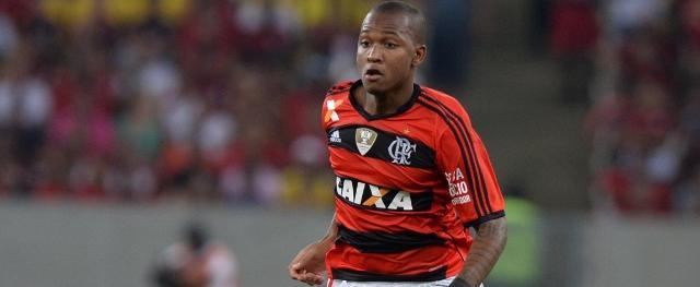 Udinese apresentou uma proposta de R$ 14 milhões pelo zagueiro, fator que faz a diretoria do Flamengo ter dúvidas sobre a negociação com o Corinthians