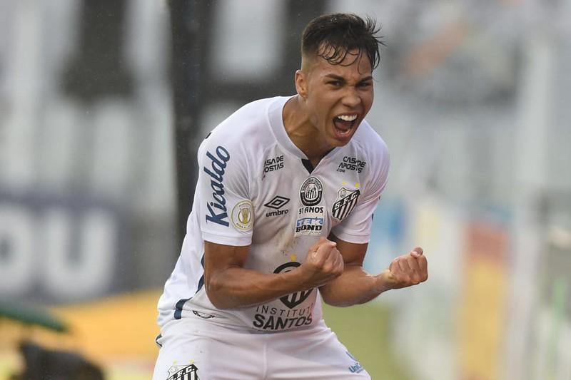 Kaio Jorge foi chamado para integrar período de treinamentos da seleção sub-20. Foto: Ivan Storti/Santos FC