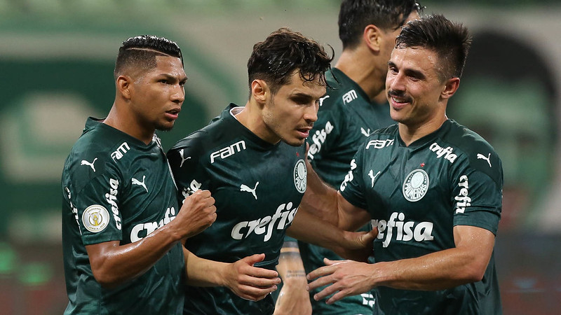 Rony, Willian e Veiga marcaram os gols alviverdes sobre o Bahia. Foto: Cesar Greco