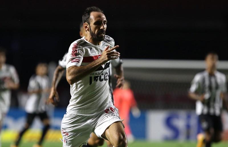 Juanfran tem contrato com o Tricolor até o fim de dezembro de 2021. Foto:  Rubens Chiri/saopaulofc.net
