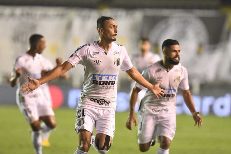Pituca fora do Santos?
