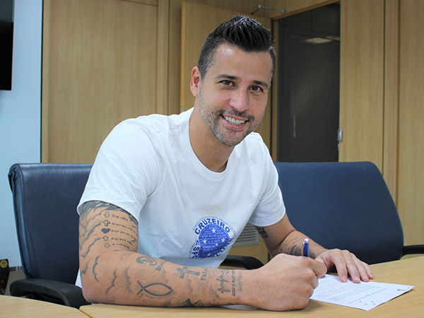 Fábio é o jogador que mais vestiu a camisa cruzeirense na história. Foto: Daniel Hott/Cruzeiro