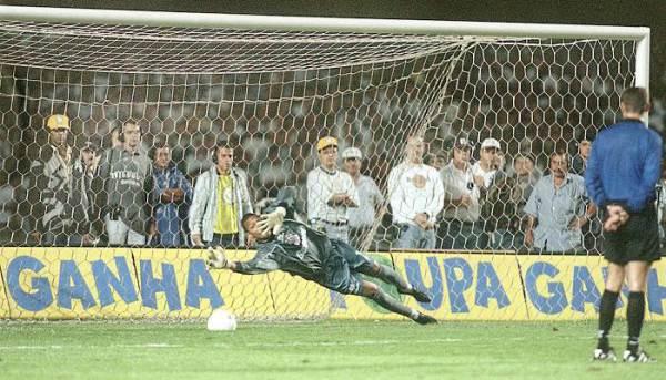 Em 1999, São Paulo e Corinthians se enfrentaram pela semifinal do Campeonato Brasileiro