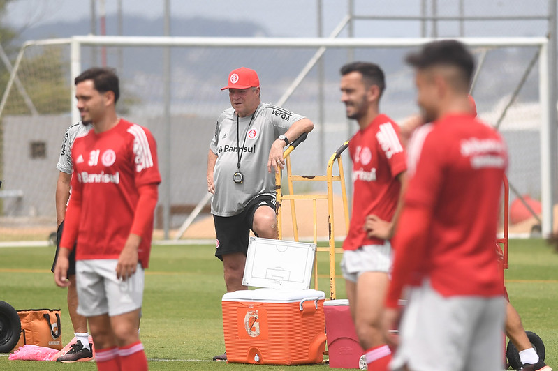 Abel Braga tem contrato com o Inter até fevereiro de 2021. Foto: Ricardo Duarte/Internacional