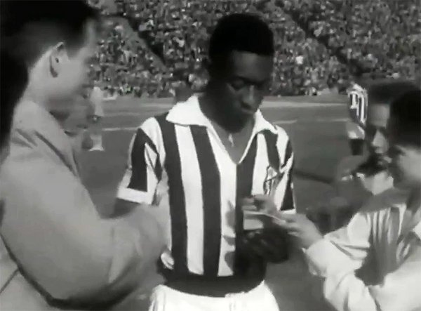 Imagens são espetaculares do time estrelado por Pelé. Foto: Reprodução