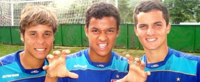 Filho de Donizete marca, Fla goleia na estreia e lidera grupo I da Copa SP