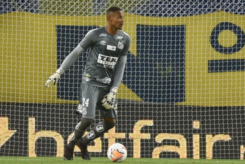 Goleiro John é um dos atletas infectados com coronavírus. Foto: Ivan Storti/Santos FC