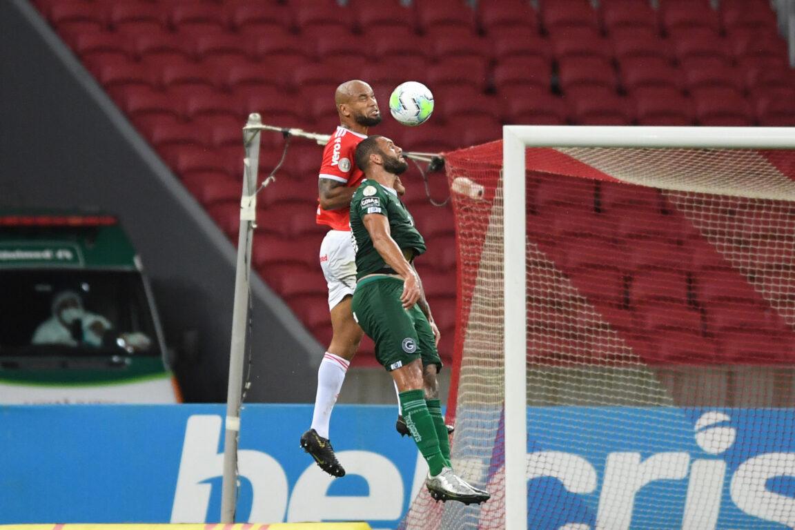 Zagueiro foi impecável no jogo aéreo. Foto: Divulgação/Inter