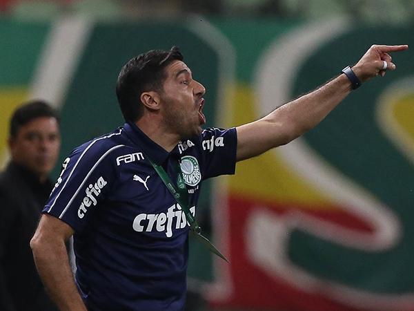 Treinador alviverde destacou o lado psicológico como determinante na derrota do Verdão. Foto: Cesar Greco