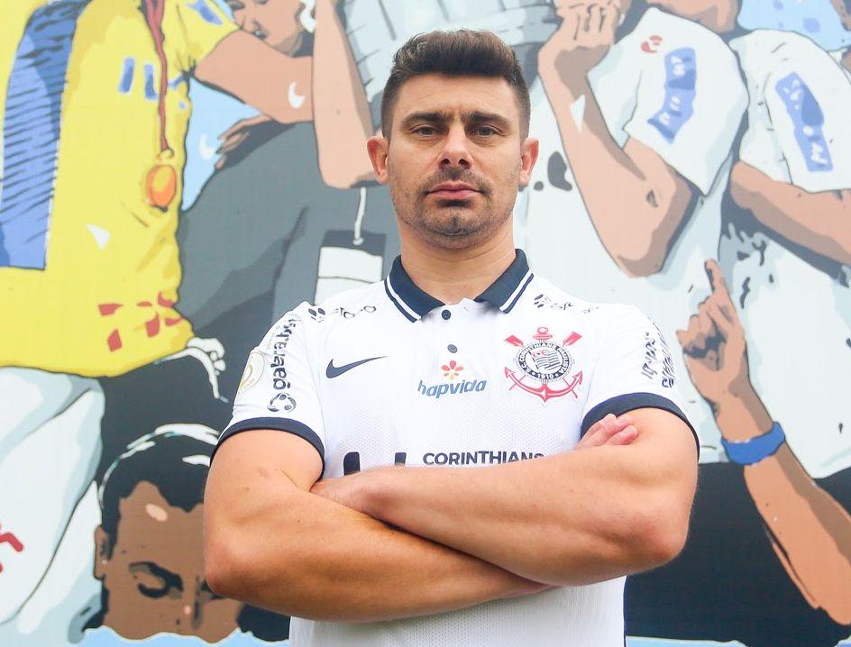 Campeão da Libertadores em 2012, Alex comandará as categorias de base corintianas. Foto: Rodrigo Coca