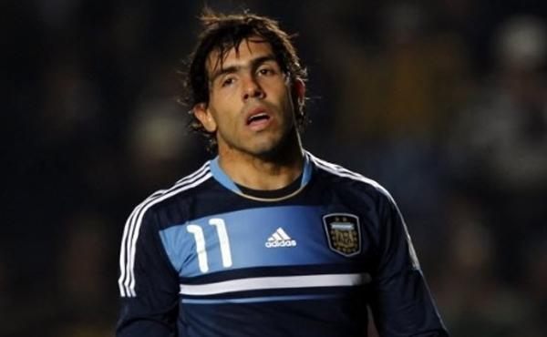 O técnico Tata Martino armou a Argentina com Lionel Messi na ponta direita, Sergio Agüero no centro e Angel Di Maria na ponta esquerda