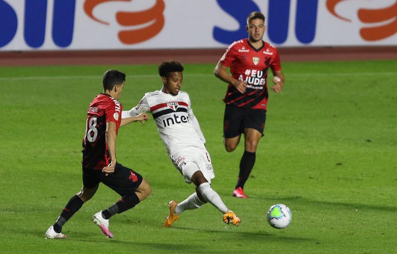 No primeiro turno o Tricolor venceu o Furacão por 1 a 0. Foto: Rubens Chiri / saopaulofc.net