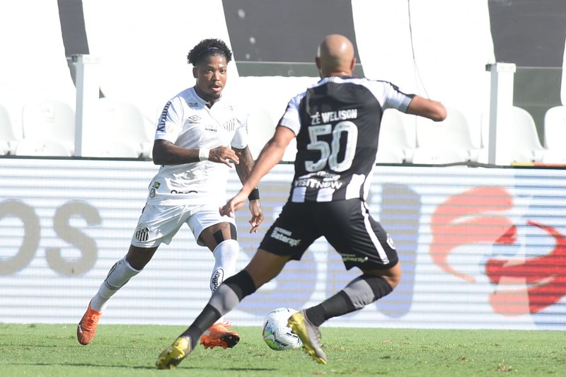 Marinho teria recebido uma ligação de Sampaoli em agosto de 2020. Foto: Ivan Storti/Santos