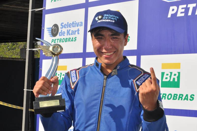 Piloto brasiliense, duas vezes vice-campeão, emocionou-se com o título na Granja Viana. Foto: Marcos Júnior Micheletti/Portal TT