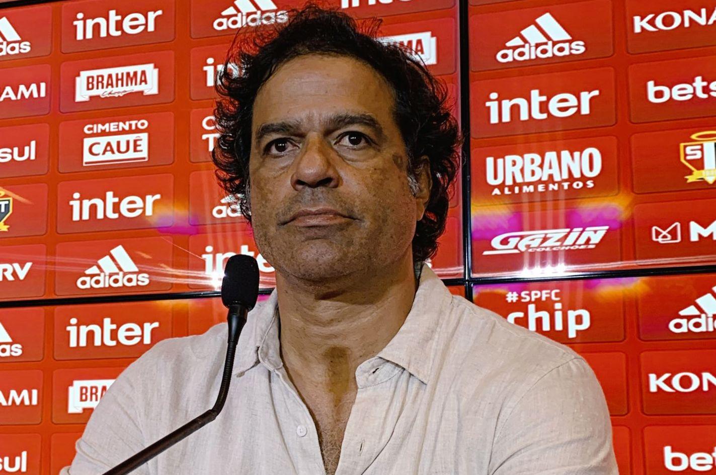 Dirigente tricolor destacou o bom trabalho de Fernando Diniz no dia a dia do São Paulo. Foto: São Paulo FC/Twitter