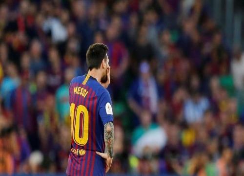Na final da Copa do Rei, o Valencia venceu o Barça, por 2 x 1. (Foto: Marcelo Del Pozo/Reuters)