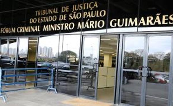O jornalista se defendeu afirmando que apenas publicou as matérias quando Marin assumiu a presidência da CBF