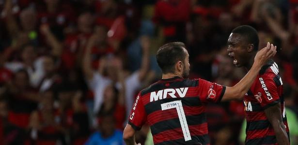Com gol de Marlos, Flamengo empatou em 1 a 1 com Palmeiras no Maracanã. Foto: Buda Mendes/Getty Images/Via UOL