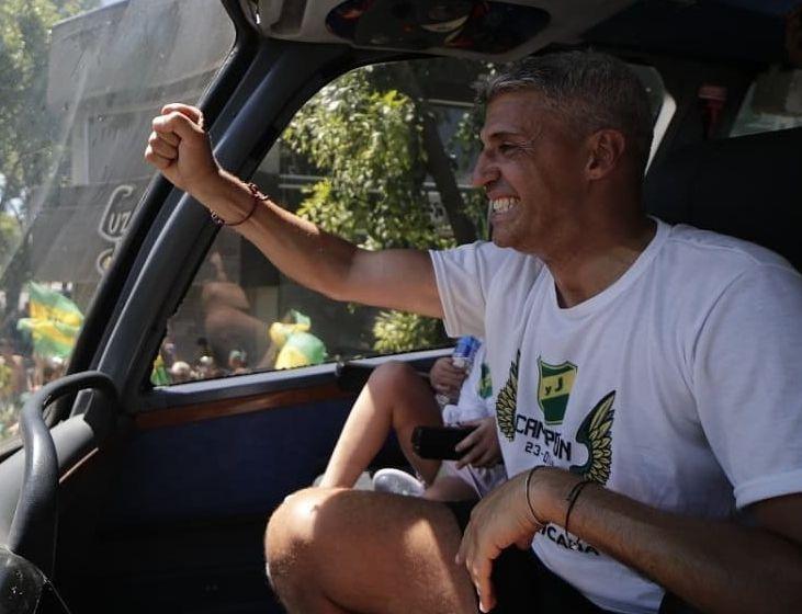 Treinador foi campeão da Copa Sul-Americana com o clube argentino. Foto: Facebook/Reprodução